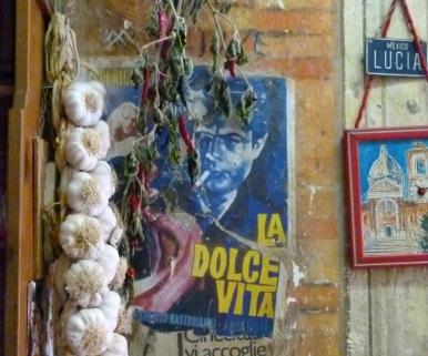 Oplev Fellinis skæve univers med Romselskabet S.P.Q.R.